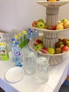 Leitungswasser & Obst bei Veranstaltungen_(c) Krankenhaus der Barmherzigen Brüder